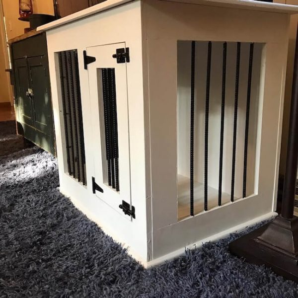 White single door dog kennel with black metal and black hardware