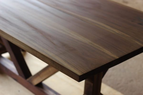 Walnut detailed tabletop seamless finished