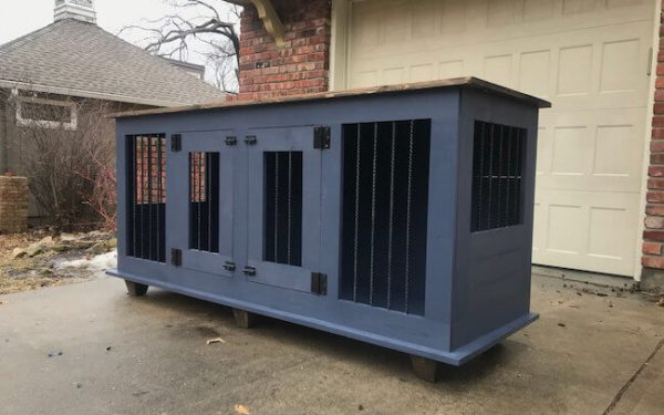 Black painted double dog kennel with accent legs